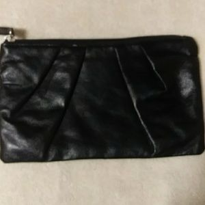 🌺NWOT! Lulu Pouch with Ruching